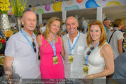 Beachvolleyball VIPs - Centrecourt Klagenfurt - Sa 02.08.2014 - Kurt MANN mit Joanna, Gerald KLUG mit Sandra (HRNJAK, schwanger)49