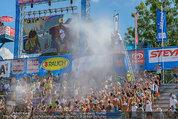 Beachvolleyball VIPs - Centrecourt Klagenfurt - Sa 02.08.2014 - Publikum in Wasserfont�nen87