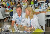 Beachvolleyball VIPs - Centrecourt Klagenfurt - So 03.08.2014 - Franz KLAMMER mit Ehefrau Eva6