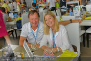 Beachvolleyball VIPs - Centrecourt Klagenfurt - So 03.08.2014 - Franz KLAMMER mit Ehefrau Eva7