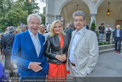 Katzenzungen Premiere - Stadttheater Berndorf - Do 14.08.2014 - Wolfgang HESOUN mit Ehefrau Brigitte, Harald SERAFIN29