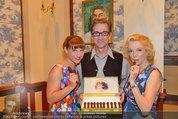 Katzenzungen Premiere - Stadttheater Berndorf - Do 14.08.2014 - Kristina SPRENGER, Erika MOTTL, Hubert WOLF3