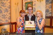 Katzenzungen Premiere - Stadttheater Berndorf - Do 14.08.2014 - Kristina SPRENGER, Erika MOTTL, Hubert WOLF5
