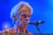 Wolfgang Ambros live - Albener Hafen - Sa 16.08.2014 - Musikband Lichtw�rts, Ulli B�ER (B�hnenfoto)22