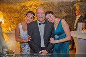 Netrebko - Verlobung - Di 19.08.2014 - Anna NETREBKO mit Schwester Natalia und Vater Juri77