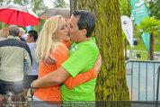 Promi Beachvolleyball - Parktherme Bad Radkersburg - So 24.08.2014 - Gregor GLANZ mit Freundin Daniela (Kussfoto)139