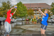 Promi Beachvolleyball - Parktherme Bad Radkersburg - So 24.08.2014 - Cathy ZIMMERMANN, Missy MAY spielen im Regen38