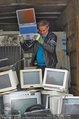 Alfons Haider Fotoshooting - Mistplatz Heiligenstadt - Mi 03.09.2014 - Alfons HAIDER mit Computern, PCs, Laptop, Monitoren20