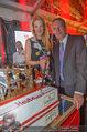 10 Jahre HEUTE - Rosengarten Belvedere - Do 04.09.2014 - Wolfgang JANSKY, Eva DICHAND mit Geburtstagstorte234