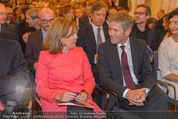 Miro Retrospektive - Albertina - Do 11.09.2014 - Soraya S�enz DE SANTAMARIA Josef OSTERMAYER38