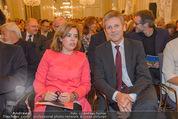 Miro Retrospektive - Albertina - Do 11.09.2014 - Soraya S�enz DE SANTAMARIA Josef OSTERMAYER40