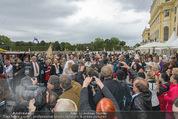 Lugner Hochzeit - Schloss Schönbrunn - Sa 13.09.2014 - Medienrummel bei Hochzeit LUGNERS103