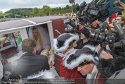 Lugner Hochzeit - Schloss Schönbrunn - Sa 13.09.2014 - Medienrummel bei Hochzeit LUGNERS11