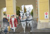 Lugner Hochzeit - Schloss Schönbrunn - Sa 13.09.2014 - sechssp�nnige Kutsche5
