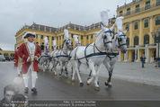 Lugner Hochzeit - Schloss Schönbrunn - Sa 13.09.2014 - sechssp�nnige Kutsche8