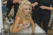 Lugner Hochzeit - Lugner City - Sa 13.09.2014 - Cathy SCHMITZ LUGNER - backstage bei Vorbereitung19