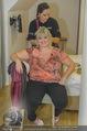 Lugner Hochzeit - Lugner City - Sa 13.09.2014 - Beater (Schwester der Braut) - backstage bei Vorbereitung20
