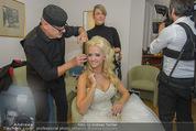 Lugner Hochzeit - Lugner City - Sa 13.09.2014 - Cathy SCHMITZ LUGNER - backstage bei Vorbereitung21