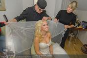 Lugner Hochzeit - Lugner City - Sa 13.09.2014 - Cathy SCHMITZ LUGNER - backstage bei Vorbereitung22