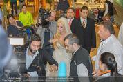 Lugner Hochzeit - Lugner City - Sa 13.09.2014 - Cathy SCHMITZ LUGNER im Verlobungskleid25