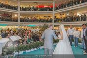 Lugner Hochzeit - Lugner City - Sa 13.09.2014 - Cathy SCHMITZ LUGNER im Verlobungskleid28