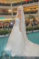 Lugner Hochzeit - Lugner City - Sa 13.09.2014 - Cathy SCHMITZ LUGNER im Verlobungskleid3