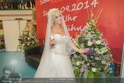 Lugner Hochzeit - Lugner City - Sa 13.09.2014 - Cathy SCHMITZ LUGNER im Verlobungskleid33