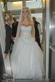 Lugner Hochzeit - Lugner City - Sa 13.09.2014 - Cathy SCHMITZ LUGNER im Verlobungskleid39