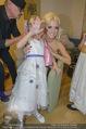 Lugner Hochzeit - Lugner City - Sa 13.09.2014 - Cathy SCHMITZ LUGNER backstage bei Vorbereitungen44