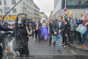 Lugner Hochzeit - Lugner City - Sa 13.09.2014 - Cathy SCHMITZ LUGNER53