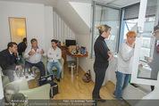 Lugner Hochzeit - Lugner City - Sa 13.09.2014 - Cathy SCHMITZ LUGNER - backstage bei Vorbereitung8