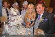 Lugner Feier - Palais Liechtenstein - Sa 13.09.2014 - Richard und Cathy LUGNER (Schmitz) mit Hochzeitstorte1