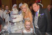 Lugner Feier - Palais Liechtenstein - Sa 13.09.2014 - Richard und Cathy LUGNER (Schmitz) mit Hochzeitstorte, Leonie47