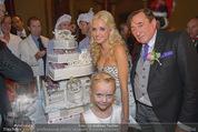 Lugner Feier - Palais Liechtenstein - Sa 13.09.2014 - Richard und Cathy LUGNER (Schmitz) mit Hochzeitstorte, Leonie48