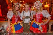 Almdudler Trachtenpärchenball - Rathaus - Fr 19.09.2014 - Oliver POCHER mit Trachtenp�rchen-Damen203