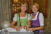 Almdudler Trachtenpärchenball - Rathaus - Fr 19.09.2014 - 24