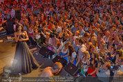 Almdudler Trachtenpärchenball - Rathaus - Fr 19.09.2014 - Conchita WURST live on Stage, Konzertfoto278