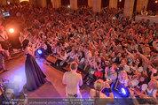 Almdudler Trachtenpärchenball - Rathaus - Fr 19.09.2014 - Conchita WURST live on Stage, Konzertfoto279
