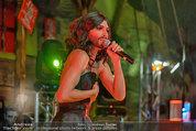 Almdudler Trachtenpärchenball - Rathaus - Fr 19.09.2014 - Conchita WURST live on Stage, Konzertfoto286