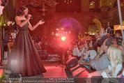 Almdudler Trachtenpärchenball - Rathaus - Fr 19.09.2014 - Conchita WURST live on Stage, Konzertfoto292