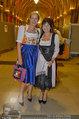 Almdudler Trachtenpärchenball - Rathaus - Fr 19.09.2014 - Claudia STÖCKL54