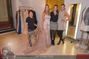 Miss World Einkleidung - LaHong Atelier - Mi 01.10.2014 - Nhut LA HONG, Julia FURDEA, Silvia SCHACHERMAYER, T. DUHOVICH26