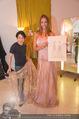 Miss World Einkleidung - LaHong Atelier - Mi 01.10.2014 - Nhut LA HONG, Julia FURDEA29