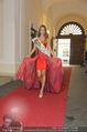 Miss World Einkleidung - LaHong Atelier - Mi 01.10.2014 - Julia FURDEA49