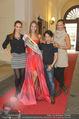 Miss World Einkleidung - LaHong Atelier - Mi 01.10.2014 - Nhut LA HONG, Julia FURDEA, Silvia SCHACHERMAYER, T. DUHOVICH52