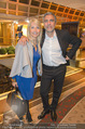 Wellness Gala - Hotel Marriott - Do 09.10.2014 - Uschi FELLNER mit Ehemann Christian P�TTLER38
