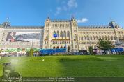Game City - Rathaus - Fr 10.10.2014 - Eingangsbereich, Rathaus, Menschenschlange190