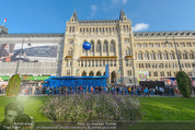 Game City - Rathaus - Fr 10.10.2014 - Eingangsbereich, Rathaus, Menschenschlange191
