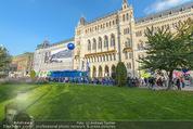 Game City - Rathaus - Fr 10.10.2014 - Eingangsbereich, Rathaus, Menschenschlange192