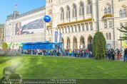 Game City - Rathaus - Fr 10.10.2014 - Eingangsbereich, Rathaus, Menschenschlange193